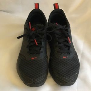 Nike shoes black red 6.5 youth